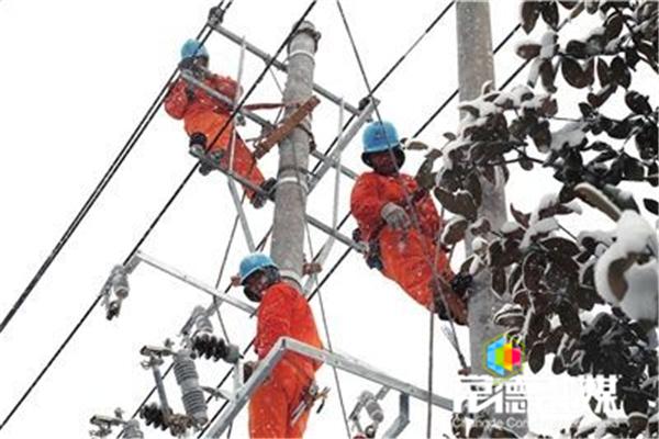 我市抢修恢复18条供电线路