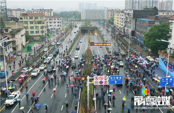刚刚,常德沅江隧道建成通车!市民最快5分钟可开车过江