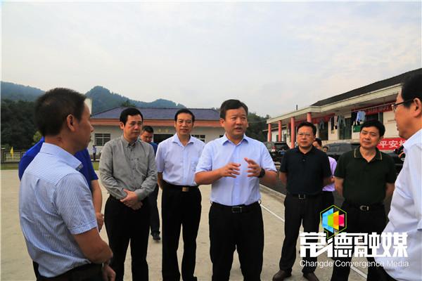 曹立军:改善乡村办学条件提升教育质量带动乡村振兴